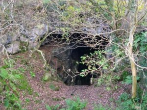 Jug_Holes_-_geograph.org.uk_-_604172