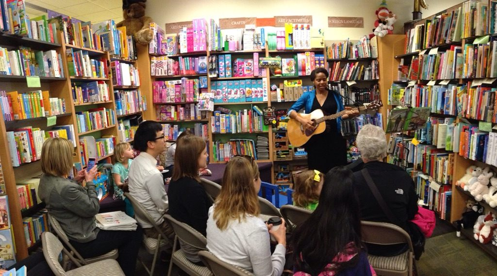 Lashon performs for rapt listeners